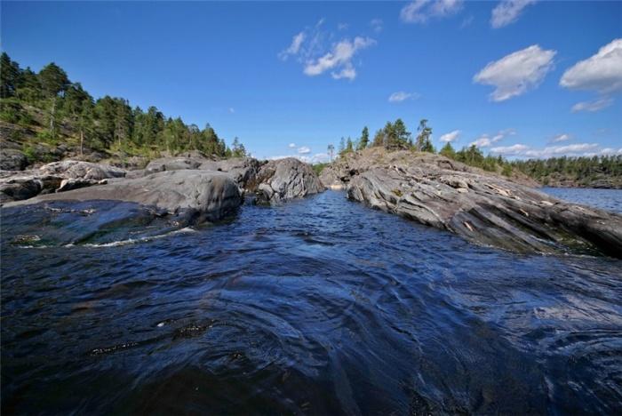 Ладожское озеро. Фото www.chaspik.spb.ru