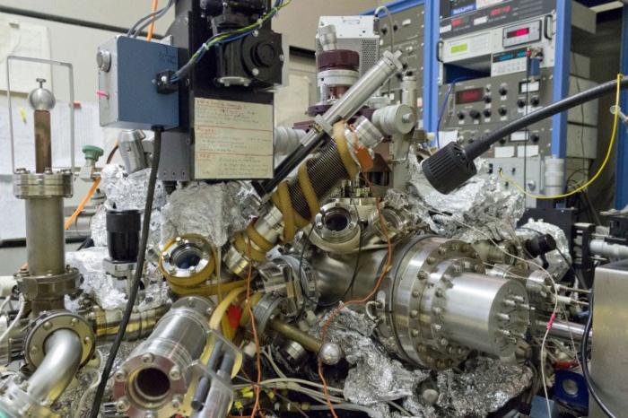 Сканирующий туннельный микроскоп