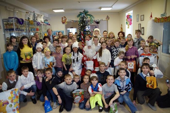 СХК вручил детишкам подарки в рамках ежегодной Ёлки желаний