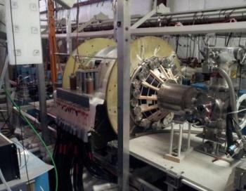 Испытательная камера ракеты с термоядерным двигателем в Лаборатории плазменной динамики в Университете Вашингтона, Редмонд.