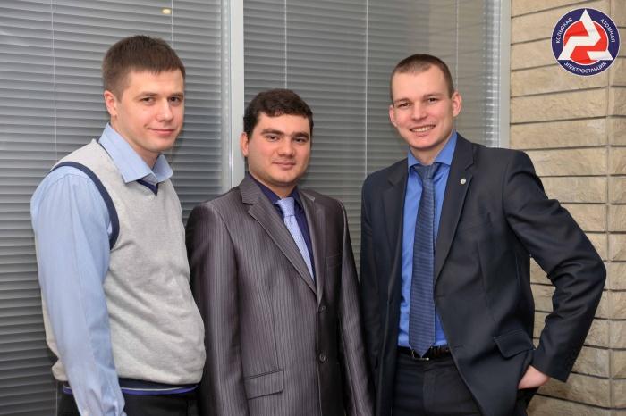 Молодые профессионалы (слева направо): Александр Петров, Виталий Брикалев и Денис Барусевич