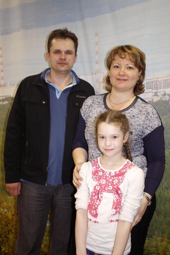 Папа, мама, Настя. Зимняя семья :))