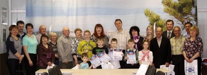"""Победители """"Лыжни"""" с организаторами и судьями"""