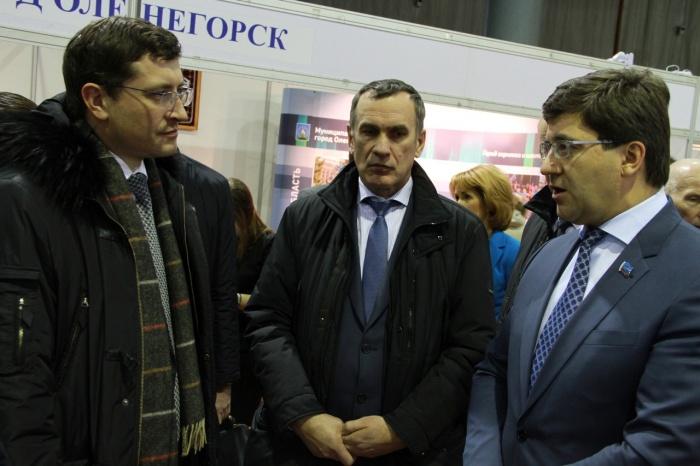Первый замминистра промышленности Глеб Никитин посетил экспозицию Полярных Зорь