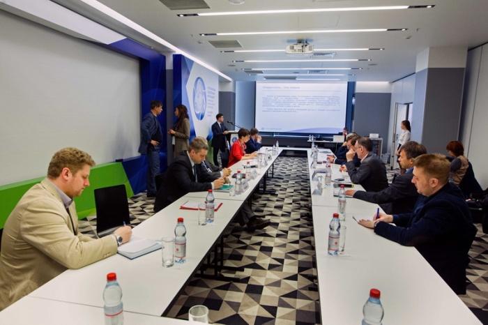 Секция Форума-диалога, посвящённая развитию малого и среднего бизнеса