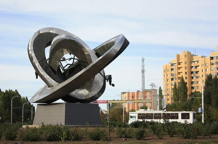 Фото Дмитрия Николенко. Скульптурная композиция в Волгодонске