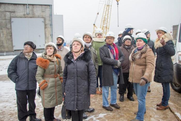 На строящейся ЛАЭС побывали студенты Международной зимней школы по ядерной энергетике