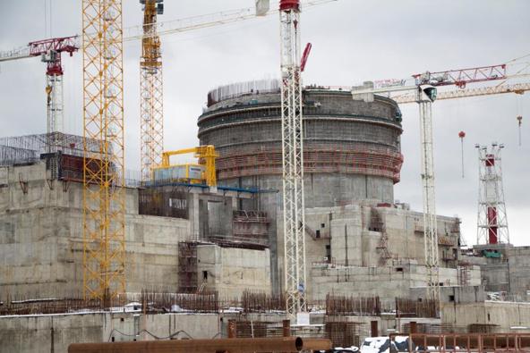 На ЛАЭС завершаются работы по сооружению конструкций обстроя здания реактора строящегося первого энергоблока