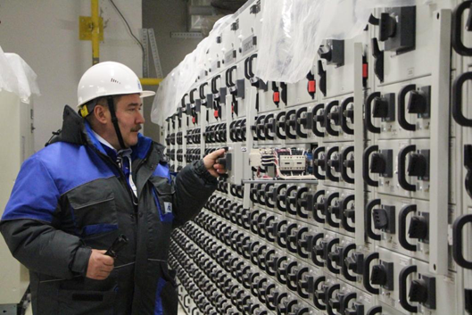 На площадке сооружения ЛАЭС завершен важный этап работ по подаче напряжения на АСУ ТП первого блока
