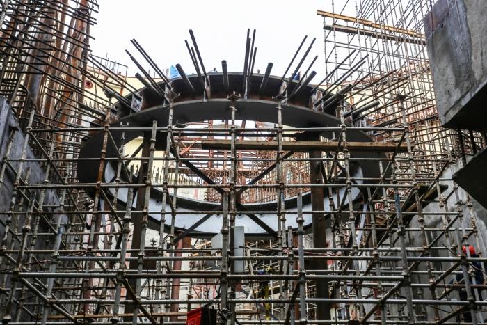 Установка упорной фермы но втором энергоблоке строящейся ЛАЭС