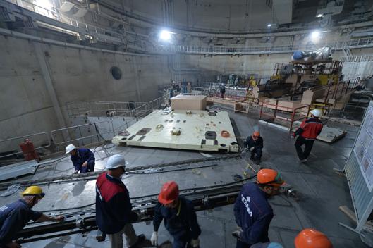 Наладочные работы герметичного люка транспортного коридора на Ростовской АЭС