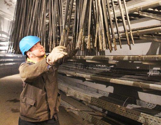 На первом блоке строящейся ЛАЭС завершено натяжение армоканатов внутренней защитной оболочки здания реактора