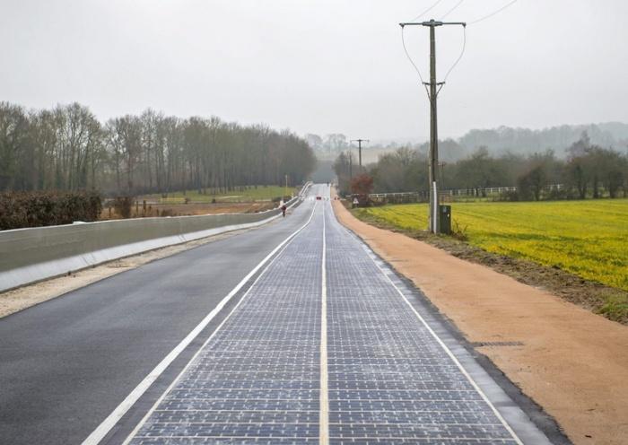 Дорога Wattway с солнечными панелями во Франции