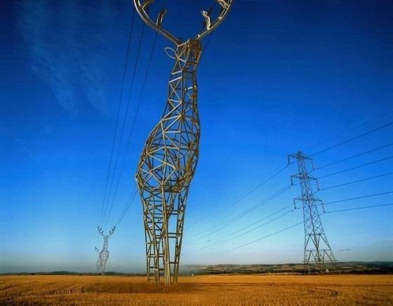 Дизайнеры российской студии DesignDepot предложили заменить стандартные металлоконструкции вышек линий электропередач на полях родины на стальных оленей и великанов