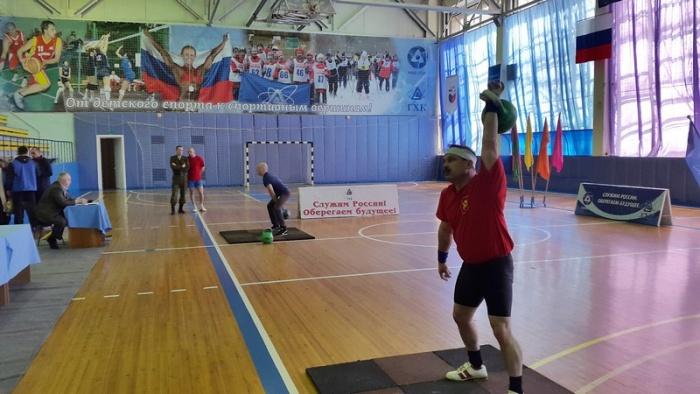 На ГХК впервые прошло первенство по гиревому спорту