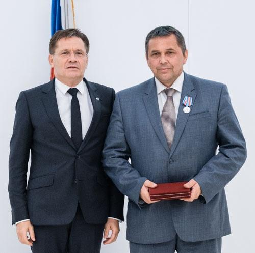 Гендиректор Росатома А.Лихачев и начальник турбинного цеха Ю.Осипов