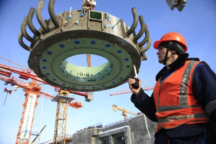 Установка фермы-консоли ловушки расплава на Курской АЭС-2, 17 января 2019 г.