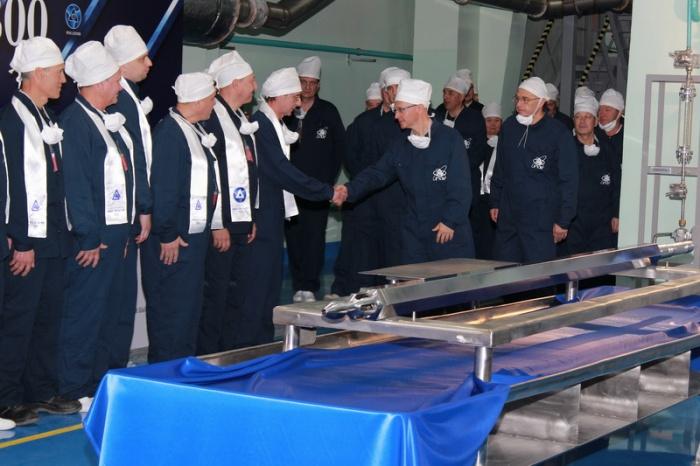 В День 70-летия атомной отрасли России Сергей Кириенко посетил производство МОКС-топлива ГХК