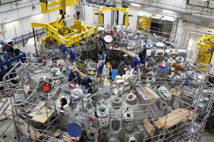 Немецкий термоядерный реактор Wendelstein 7-X. Фото: www.mpg.de