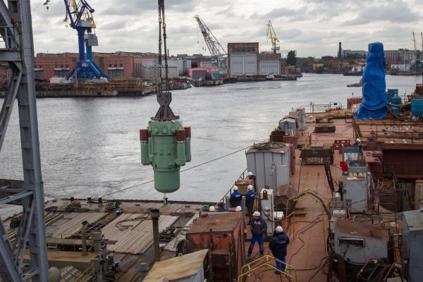 Установка второго парогенерирующего блока на атомный ледокол Арктика. Фото: Балтийский завод