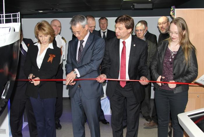 Открытие выставки на атомном ледоколе Ленин