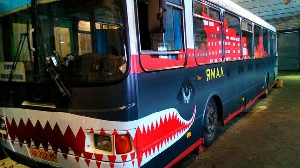 Автобус-ледокол в Салехарде