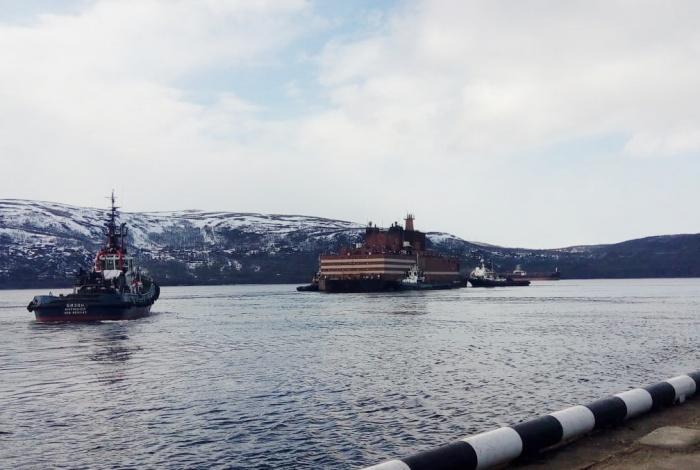 """Докование плавучего энергоблока """"Академик Ломоносов"""" в Мурманске"""