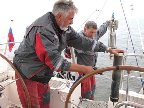 Экспедиционное судно Надежда провело мониторинг радиоактивных загрязнений Балтийского моря