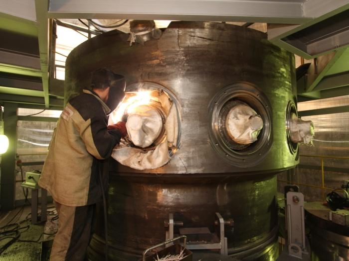 Cборка интегрированного корпуса реактора РИТМ-200 для головного ледокола ЛК-60Я